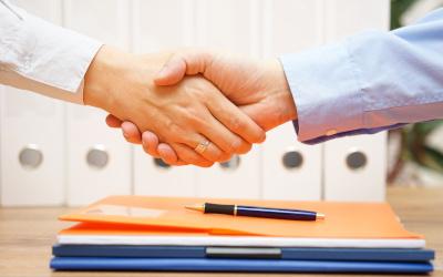 Россияне в мае подписали почти 2,2 млн договоров на получение займов в МФО