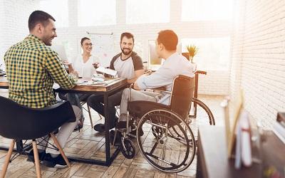 Инвалидам России дадут квоты на работу