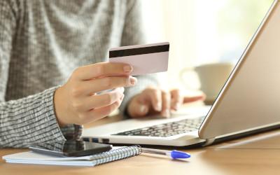 Почти на 1,5 процента выросла доля используемых лимитов по кредиткам