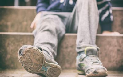 Почти четверть российских детей живут за чертой бедности