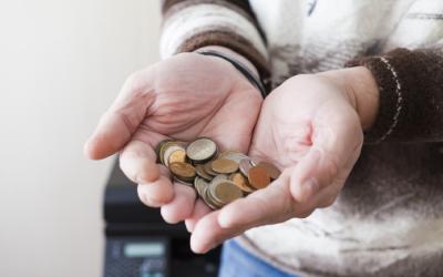 Минтруд уверен, что к 2024 году снизит бедность в два раза