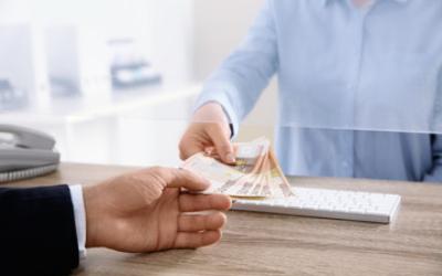 Россияне рассказали, почему выбирают займы МФО, а не кредиты в банке