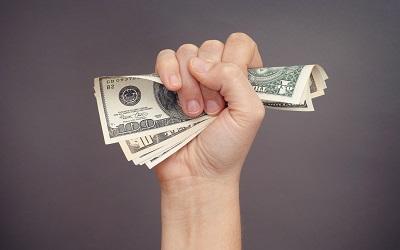Доллару предрекли обвал в следующем году