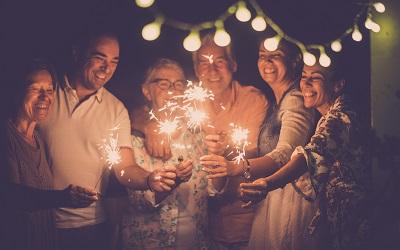Большинство россиян отпразднуют Новый год дома или у друзей