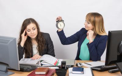 Минтруд может рассмотреть предложение сократить рабочую неделю