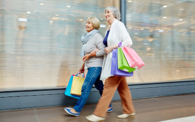 Скидки пенсионерам в магазинах. В каком размере