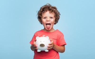 Почти 45% родителей страны хотят открыть своему ребенку счет в банке