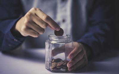 Остаток денег после основных трат у российских семей снизился на 26 процентов за год