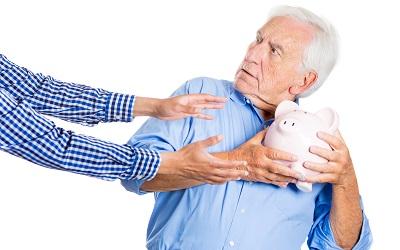 Могут ли приставы удерживать деньги с пенсии в 2021 году?