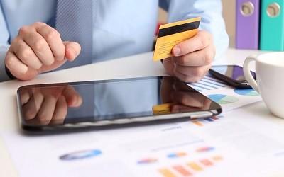 Лимиты по кредитным картам упали до 47,7 тысяч рублей