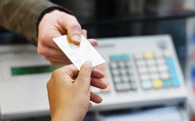 Малоимущие россияне смогут получить первые продуктовые карточки уже в 2019