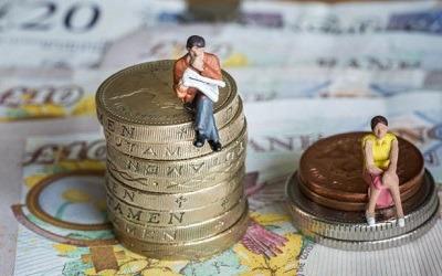 Мужчины и женщины все дальше отдаляются друг от друга в плане зарплат
