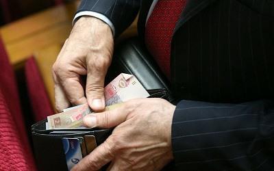 Эксперты: без существенных реформ налоговой системы компании из тени не выйдут
