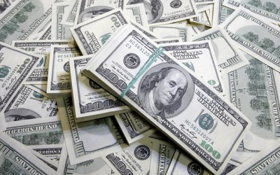 Эксперты считают, что вероятность ограничений на операции в долларах минимальна