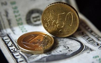 Валюта все меньше интересует россиян
