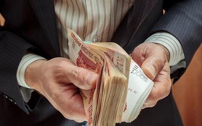 Россияне стали брать больше в долг благодаря низким ставкам