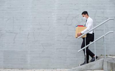 Треть компаний в стране намерены сократить персонал