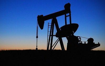 Рублю предрекли зависимость от нефти на протяжении 4-6 лет