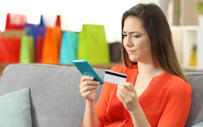 Россияне стали реже обращаться за помощью к кредитным картам
