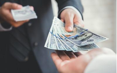 Максимальные суммы займов выдают в Москве и Санкт-Петербурге