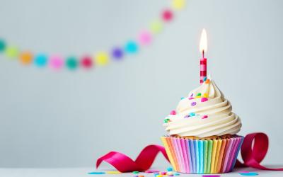 Заемщикам простят проценты в честь дня рождения компании