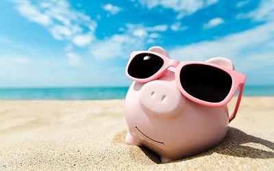 Отказ от отпусков привел к накоплению свободных средств домохозяйств, - Николай Солабуто