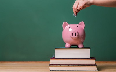 Школьные выплаты поступили на счета родителей почти 20 млн детей