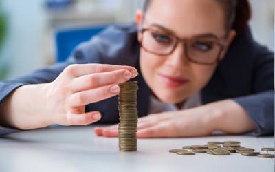 Оклады в РФ вырастут почти на тысячу рублей