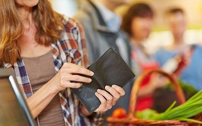 Падение доходов сократилось, но к росту потребления это не привело, - Роман Ткачук