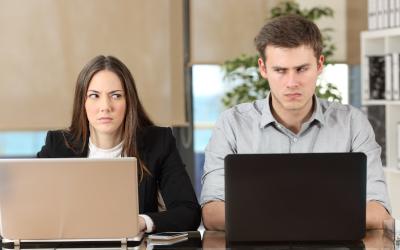 40 процентов работников РФ думают, что их коллеги получают больше