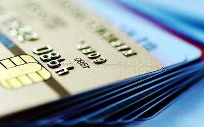 Лимиты по кредиткам вернулись к прошлогоднему уровню