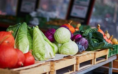 Эксперты назвали регионы с высокими тратами на еду