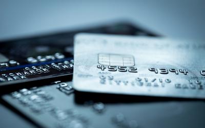 Лимиты по кредиткам упали до 72 тысяч рублей