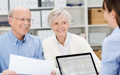 Эксперты назвали наиболее лояльные к пенсионерам банки