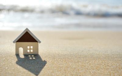 Больше 50 процентов граждан РФ не намерены уезжать из дома на летний отпуск