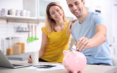 Молодежь чаще откладывает деньги на черный день