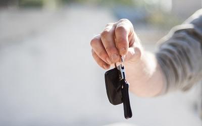 Еще на 100 тысяч больше стали брать россияне в кредит, чтобы купить авто