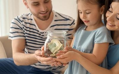 Пособие на ребенка могут продлить до трех лет вместо полутора